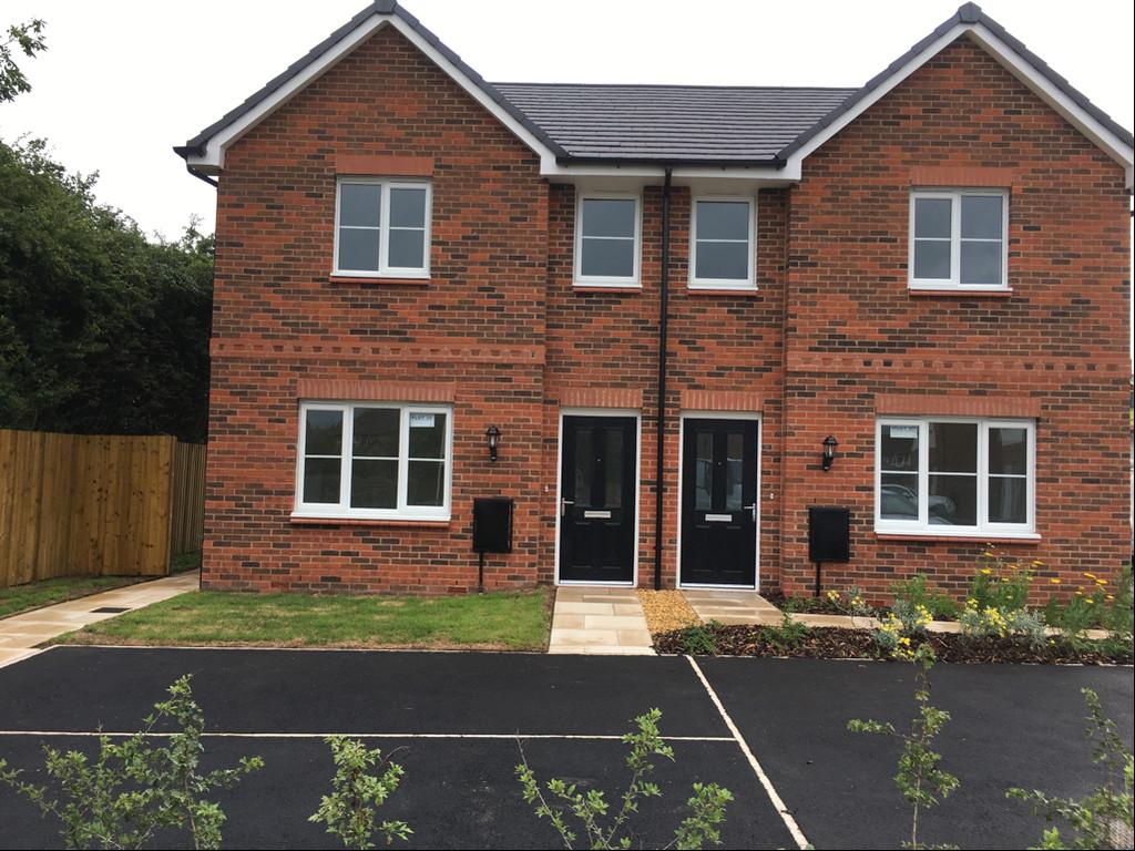 3 Bedrooms Semi Detached House for sale in Farndon
