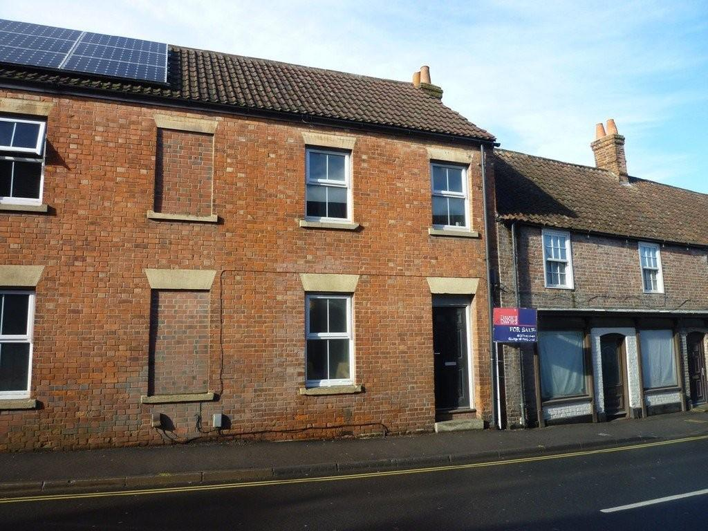 3 Bedrooms Terraced House for sale in Fore Street, Westbury