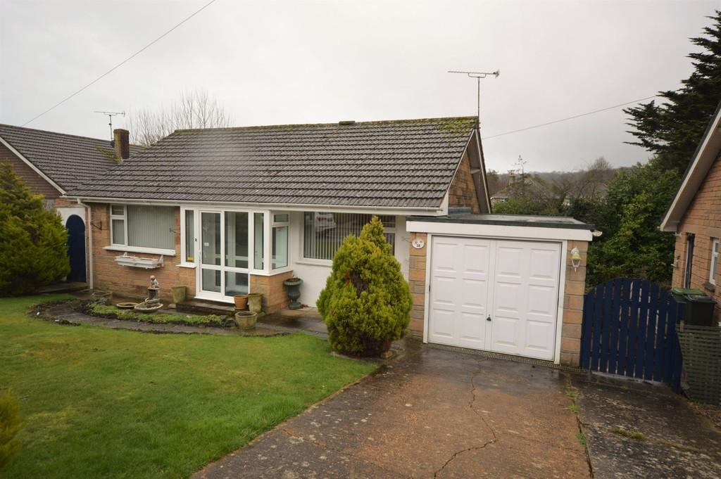 2 Bedrooms Detached Bungalow for sale in Orchard Road, Shanklin