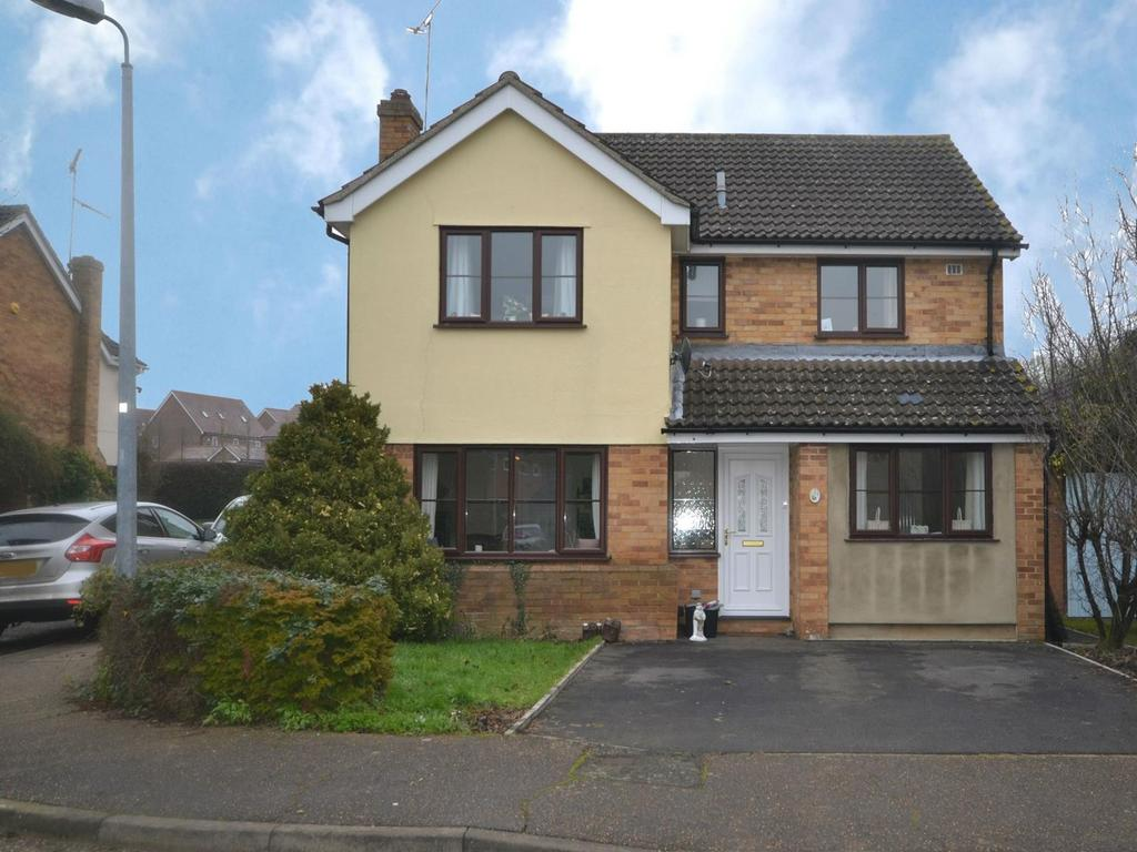 5 Bedrooms Detached House for sale in Brook View, Thaxted, CM6 2LX