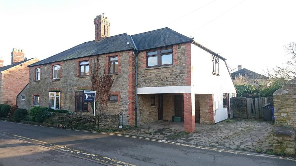 4 Bedrooms Semi Detached House for sale in Hill Street, Brackley