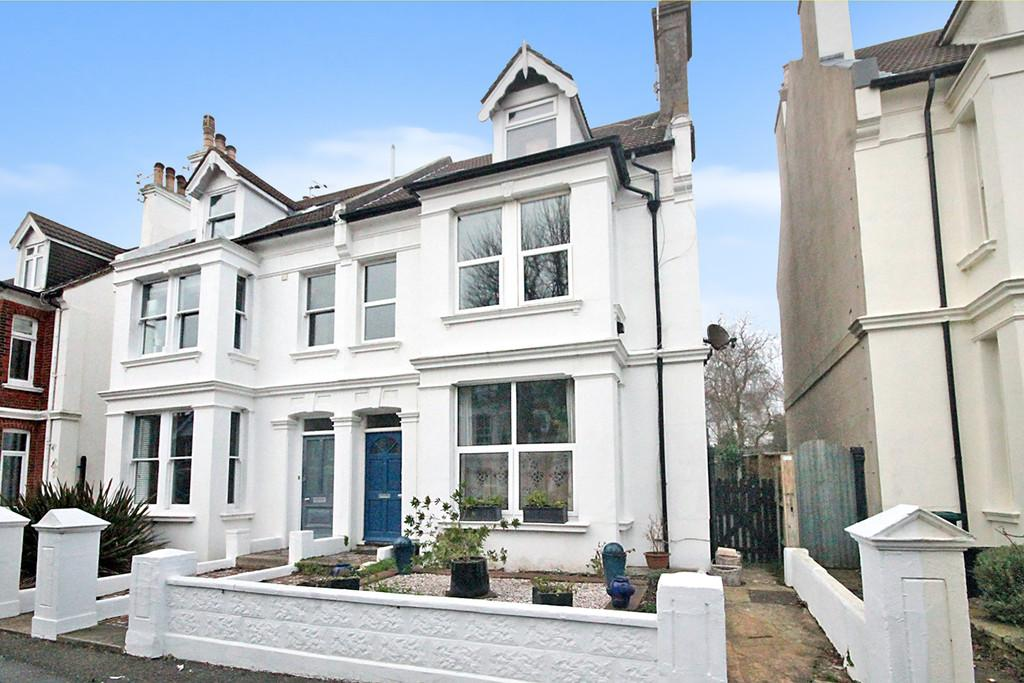 2 Bedrooms Flat for sale in Hartington Villas, Hove, BN3 6HF