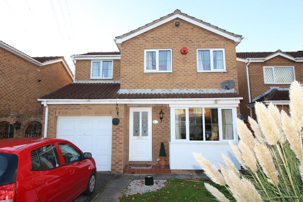3 Bedrooms Detached House for sale in Meadowcroft Close, Outwood