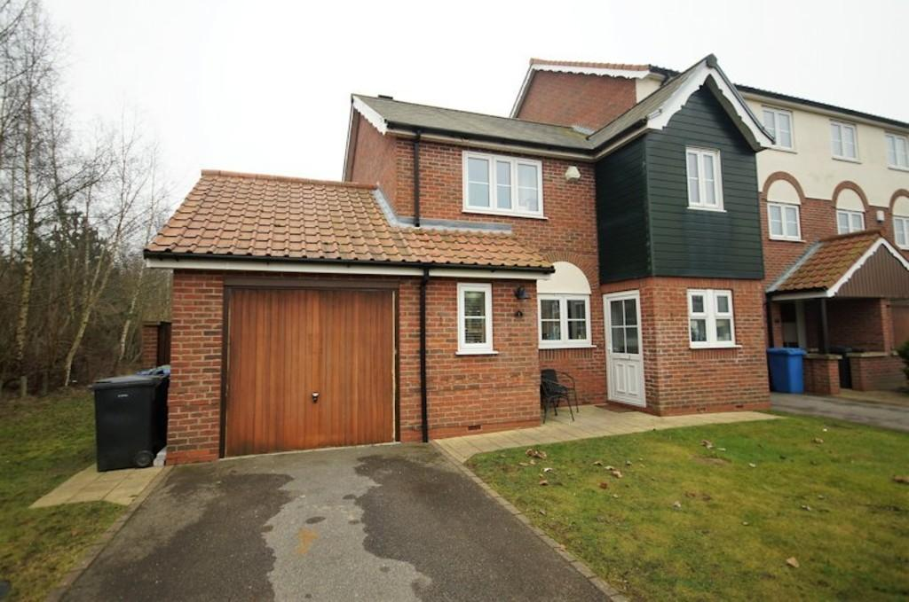 3 Bedrooms Semi Detached House for sale in Park Lane, Burton Waters