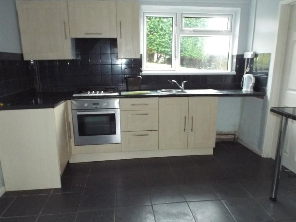 3 Bedrooms Semi Detached House for sale in Ffordd Aneurin, Pontyberem, Pontyberem, Carms