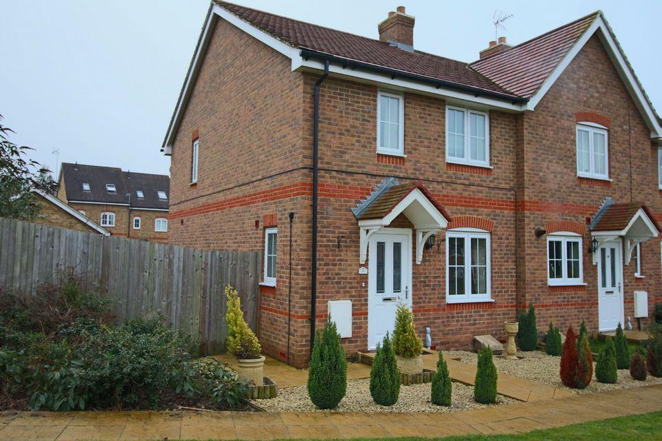 3 Bedrooms Semi Detached House for sale in Oak Tree Drive, Hassocks, West Sussex, BN6 8YA.
