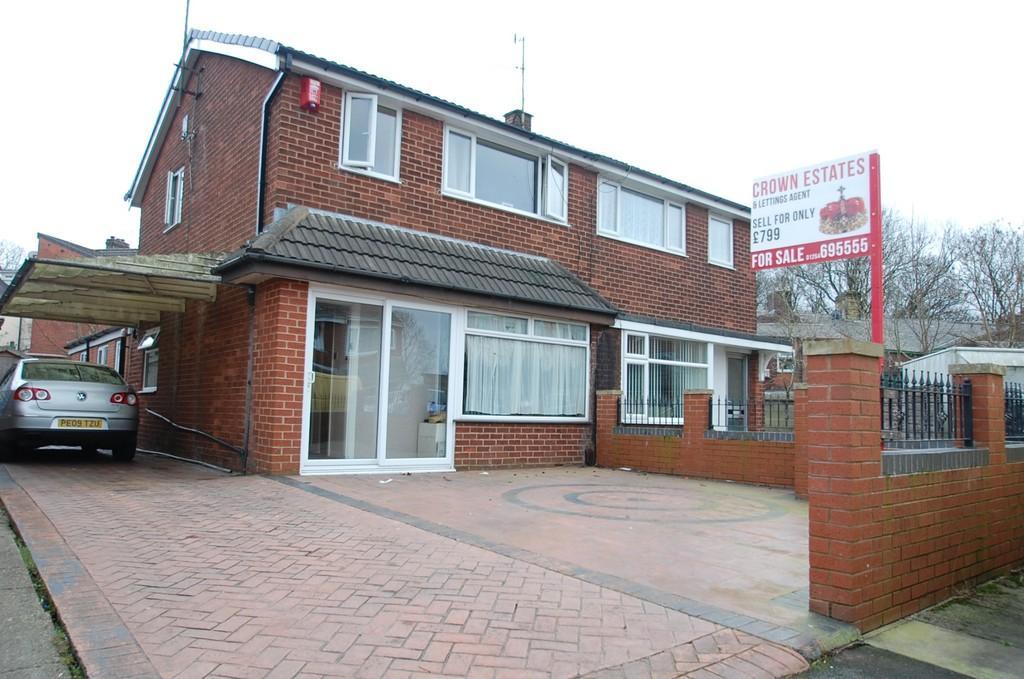 3 Bedrooms Semi Detached House for sale in Windsor Close, Audley Range, Blackburn