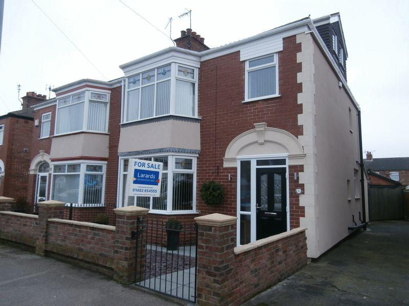 4 Bedrooms Semi Detached House for sale in Lodge Street, Hull