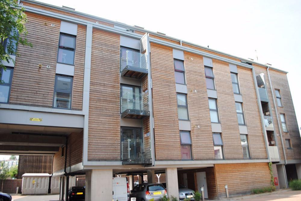 2 Bedrooms Flat for sale in Gas Ferry Road, Bristol, BS1