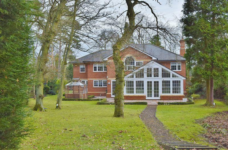 5 Bedrooms Detached House for sale in Western Way, Darras Hall, Ponteland