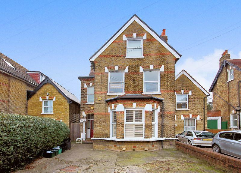 2 Bedrooms Apartment Flat for sale in Langley Road, Beckenham