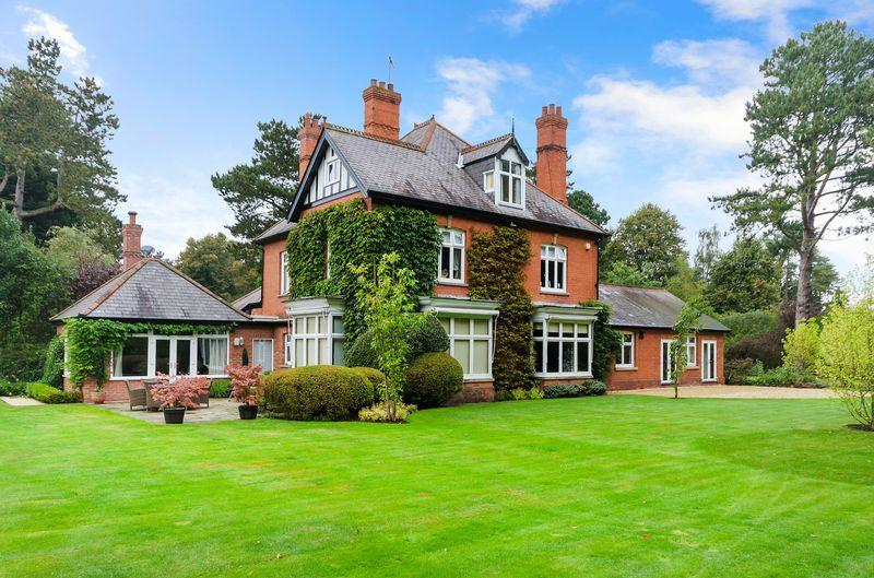 6 Bedrooms Detached House for sale in Leander, 34 Horncastle Road, Woodhall Spa