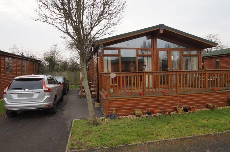 2 Bedrooms Detached Bungalow for sale in New House Farm, Walrow, Highbridge