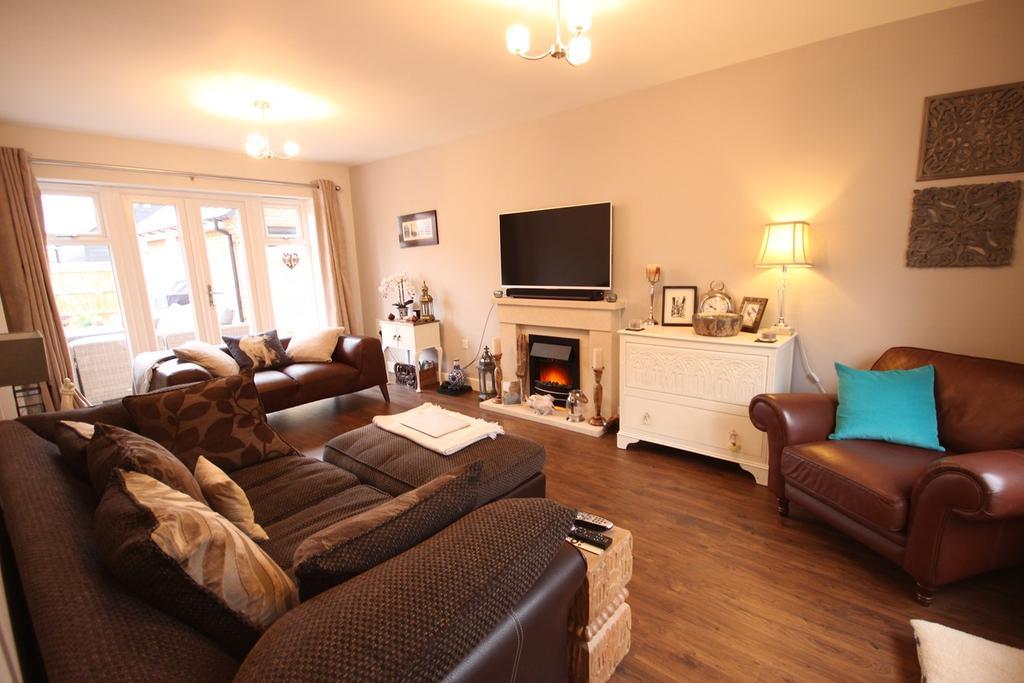 4 Bedrooms Detached House for sale in Alder Wynd, Silsoe, MK45