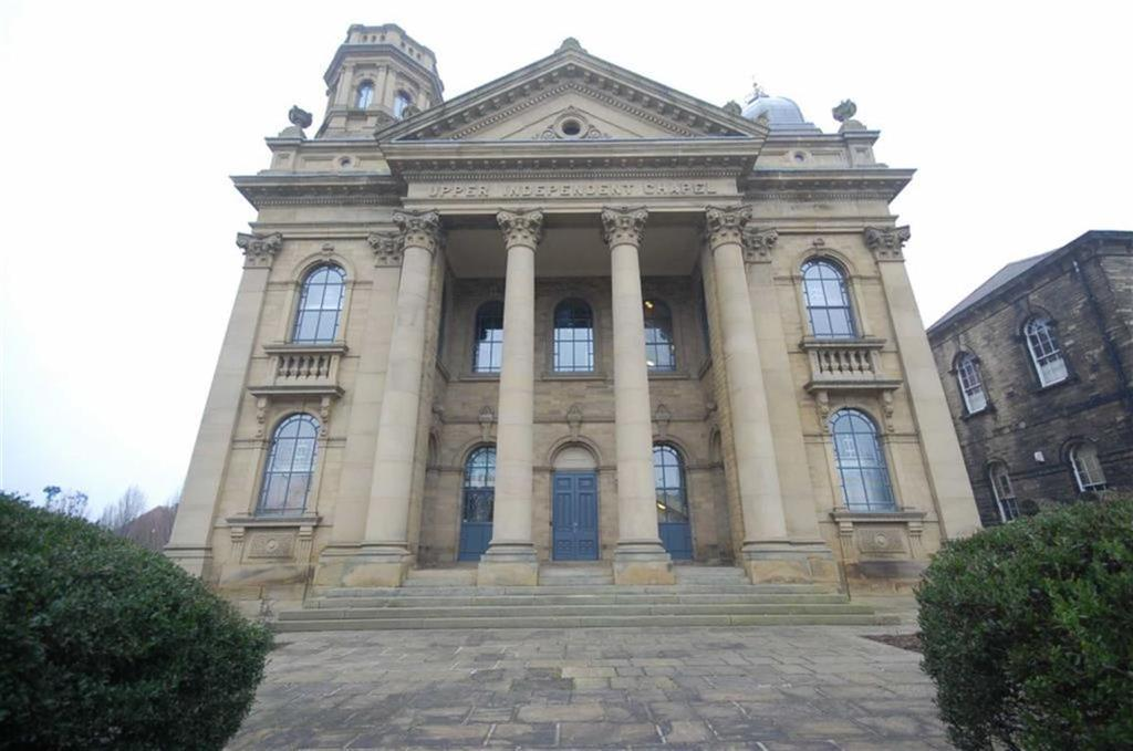 2 Bedrooms Flat for sale in Independent Chapel, High Street, Heckmondwike, WF16