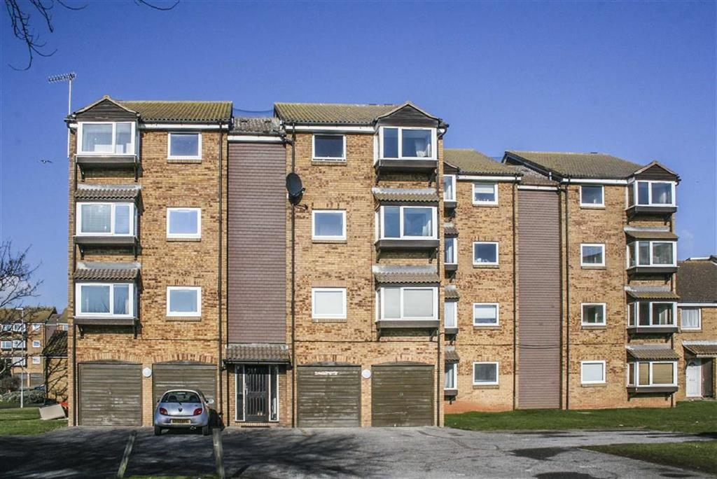 2 Bedrooms Apartment Flat for sale in 1 Lake Drive, Peacehaven