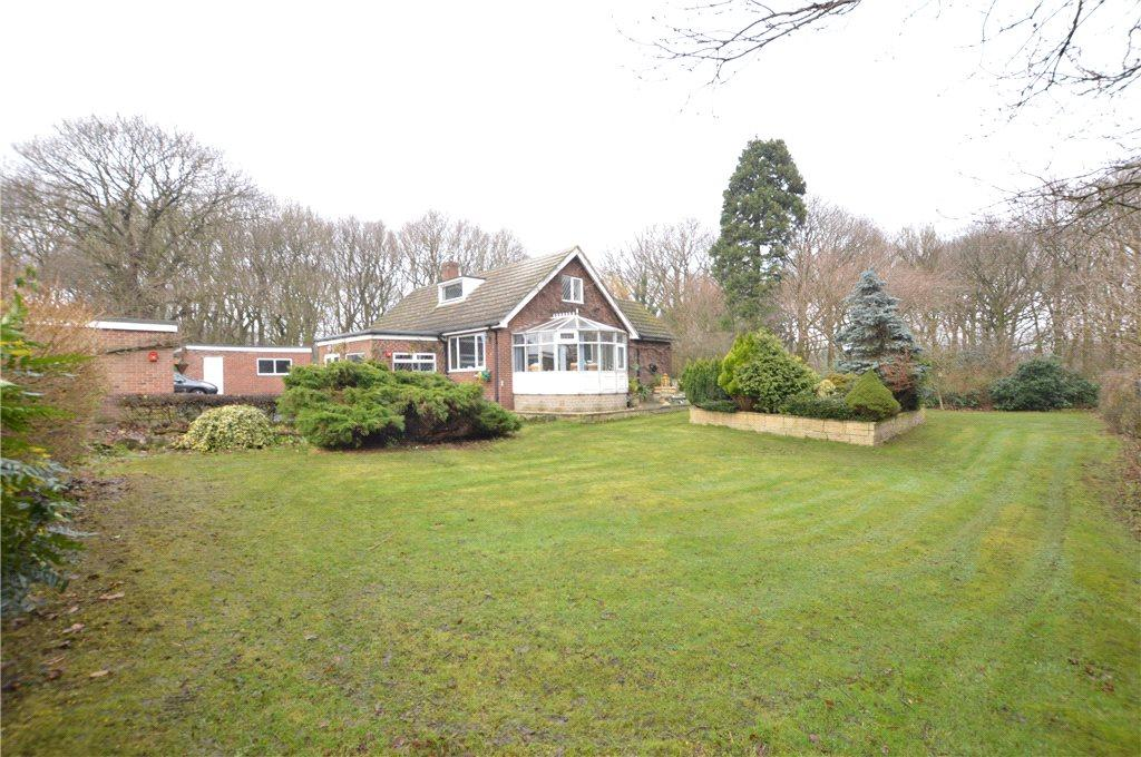 3 Bedrooms Detached Bungalow for sale in Springwood, Haigh Hall, Batley Road, Wakefield, West Yorkshire