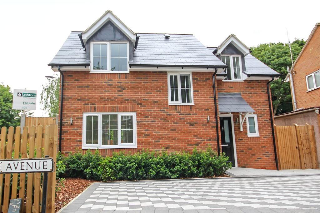 2 Bedrooms Detached House for sale in Langdale Avenue, Harpenden, Hertfordshire