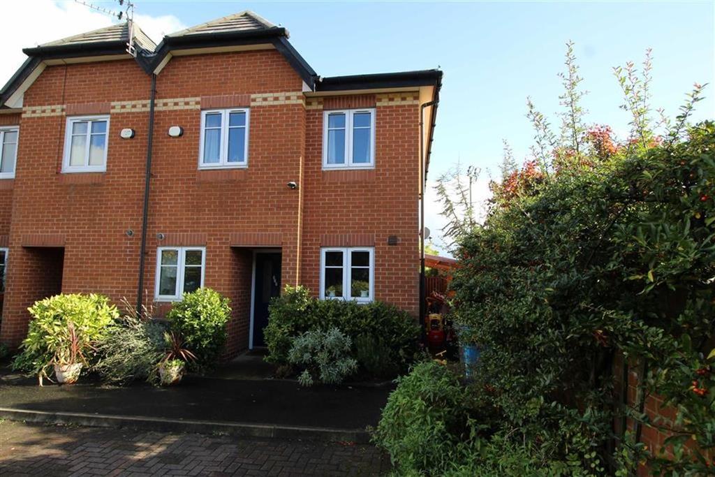 3 Bedrooms Semi Detached House for sale in Brantingham Road, Chorlton