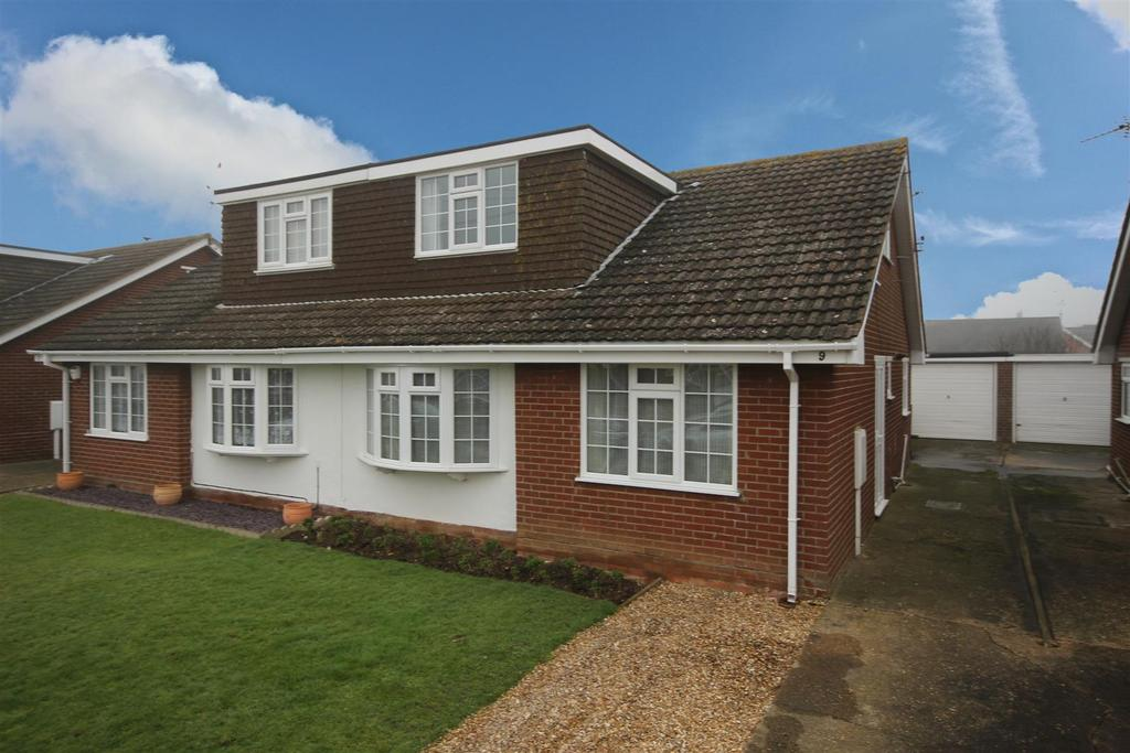 3 Bedrooms Semi Detached Bungalow for sale in 9 Chanctonbury Way, Sutton-On-Sea, Mablethorpe