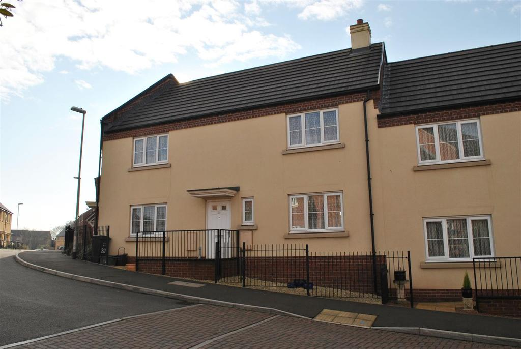 3 Bedrooms Terraced House for sale in Grove Gate, Staplegrove, Taunton