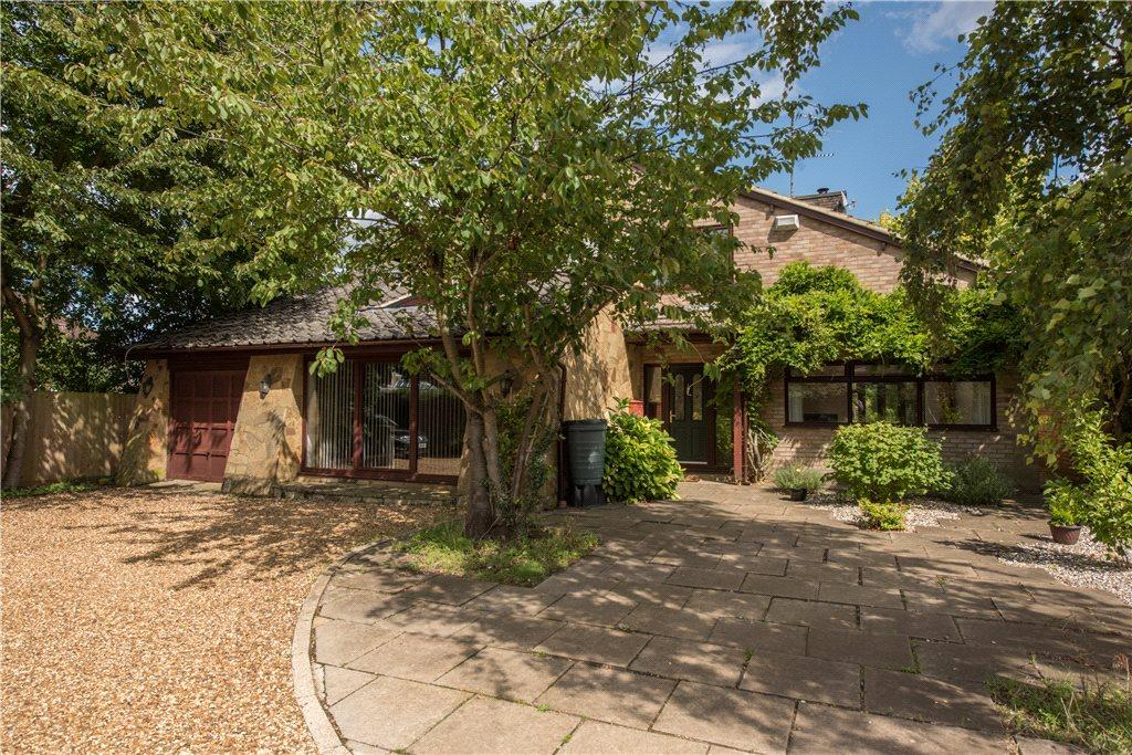 5 Bedrooms Detached House for sale in The Moor, Carlton, Bedford, Bedfordshire
