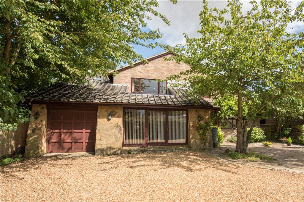 5 Bedrooms Detached House for sale in The Moor, Carlton, Bedfordshire