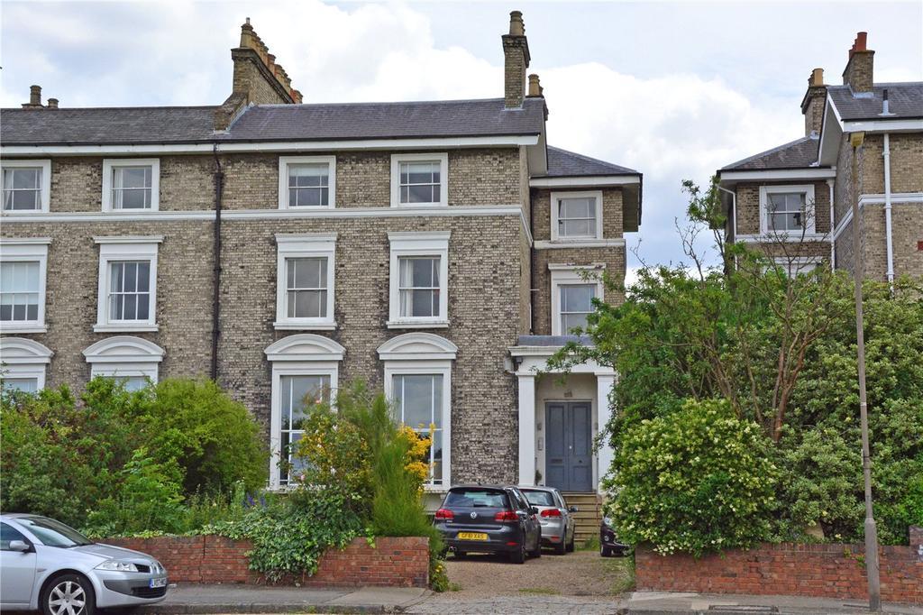 2 Bedrooms Flat for sale in Vanbrugh Terrace, Blackheath, London, SE3