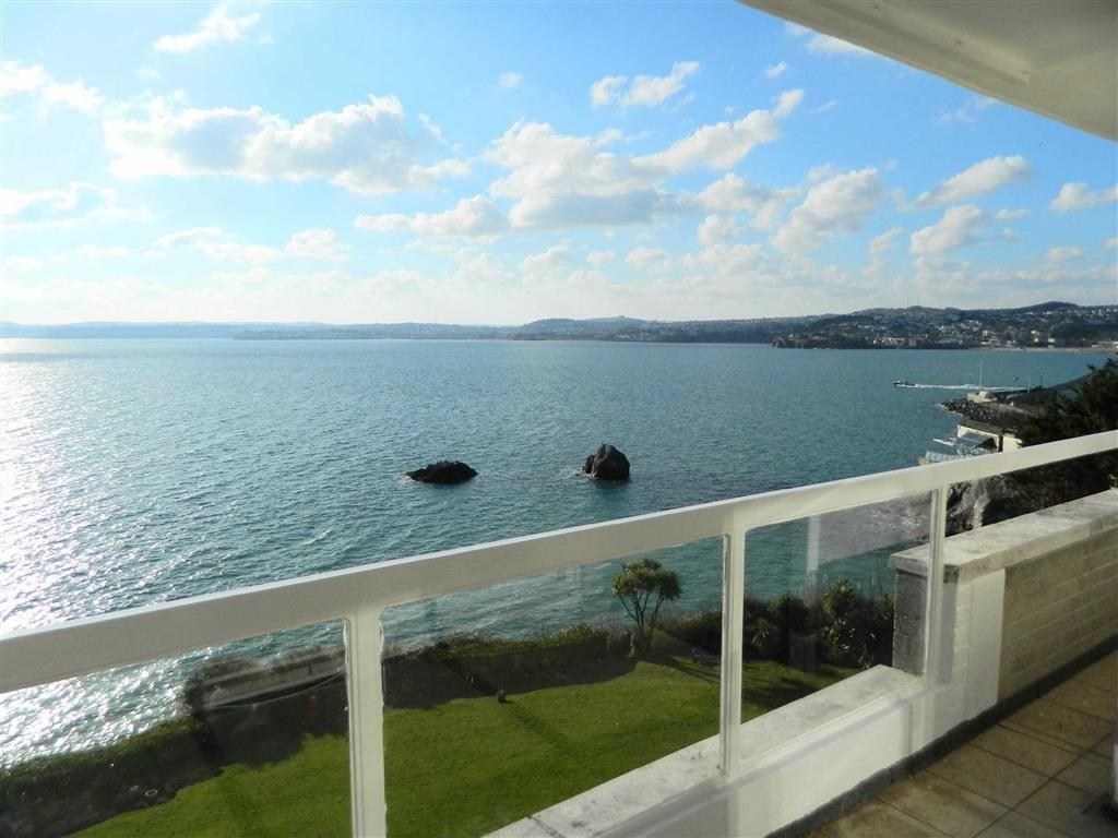 2 Bedrooms Apartment Flat for sale in Imperial Court, Park Hill Road, Torquay, Devon, TQ1