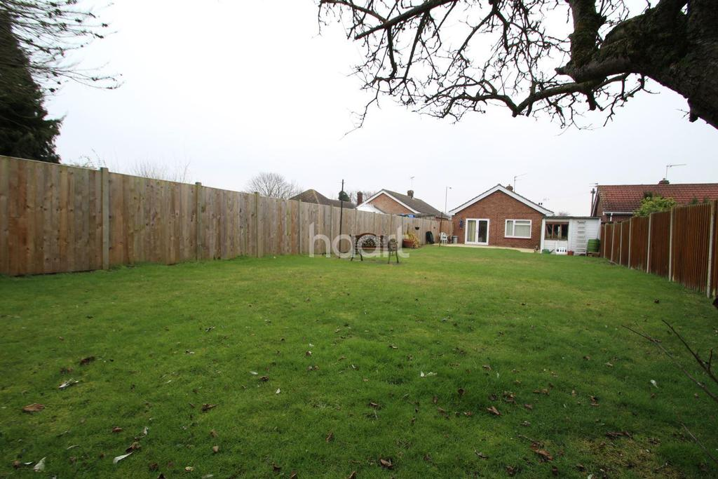 2 Bedrooms Bungalow for sale in St Johns Road