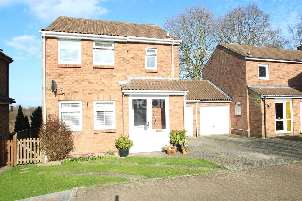 3 Bedrooms Detached House for sale in Locksley Close, Walderslade Woods