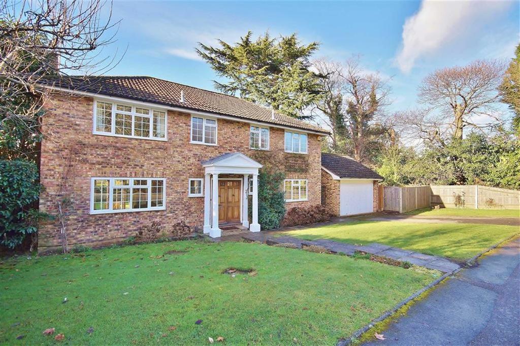 4 Bedrooms Detached House for sale in Ashcroft Park, Cobham, Surrey, KT11