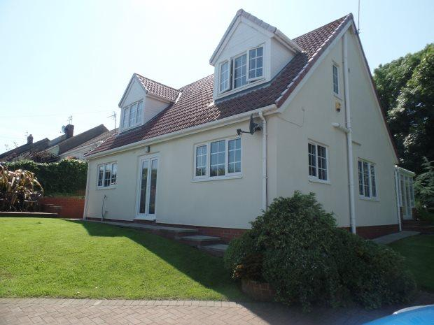 3 Bedrooms Detached House for sale in ANGUS TERRACE, GRANTS HOUSES, PETERLEE AREA VILLAGES