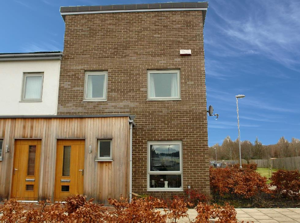 3 Bedrooms Terraced House for sale in July Courtyard, The Staithes, Dunston, Gateshead