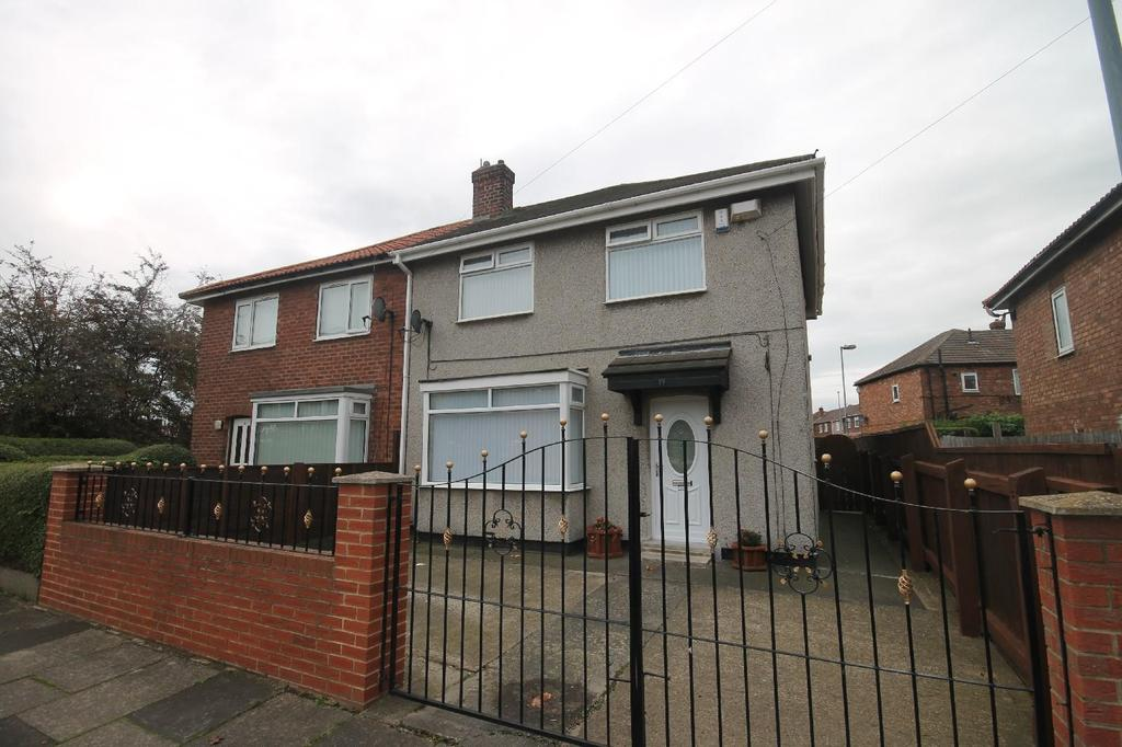 3 Bedrooms Semi Detached House for sale in Tranmere Avenue, Town Farm