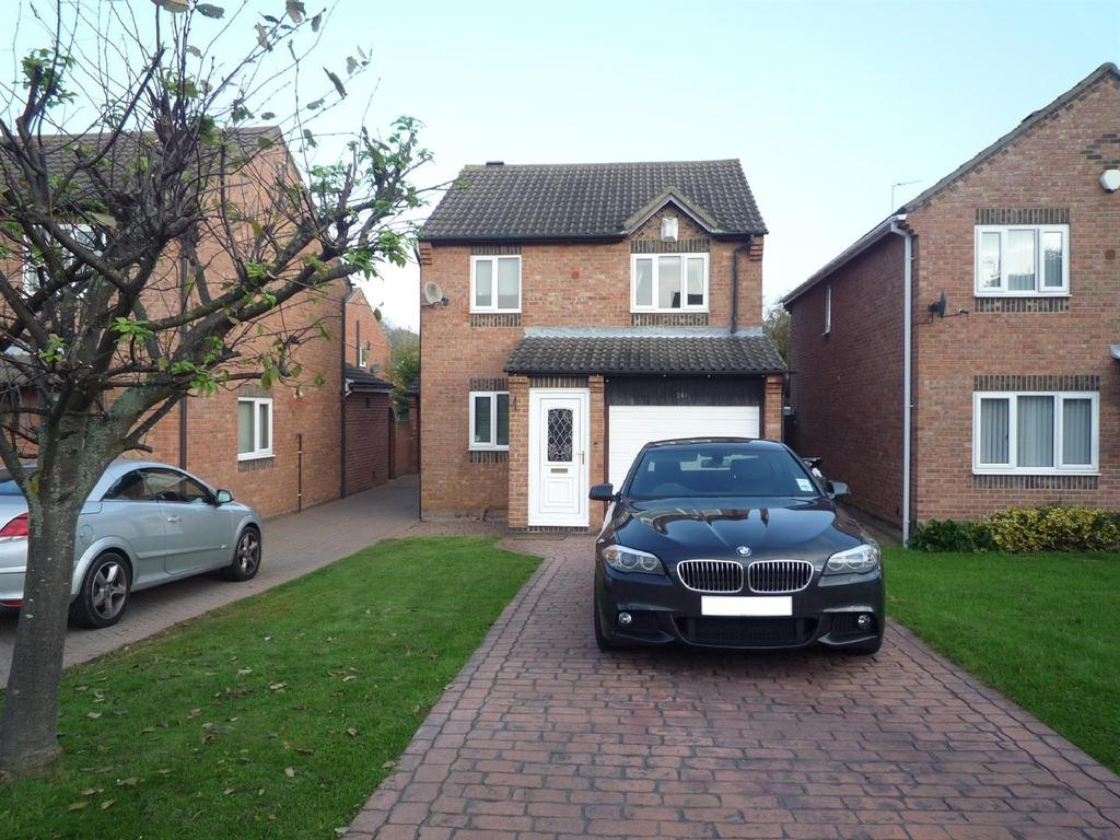 3 Bedrooms Detached House for sale in Eagle Park, Marton-In-Cleveland