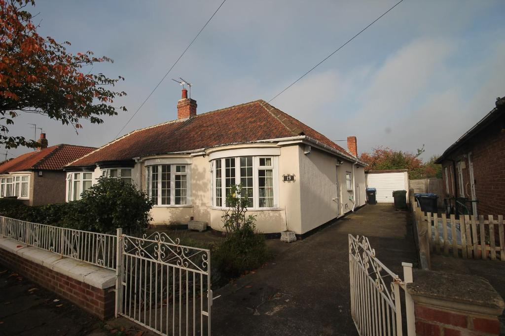 2 Bedrooms Semi Detached Bungalow for sale in Kirkgate Road, Linthorpe