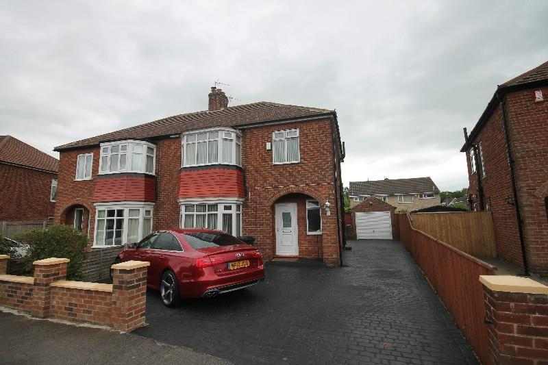 3 Bedrooms Semi Detached House for sale in Captain Cooks Crescent, Marton-In-Cleveland