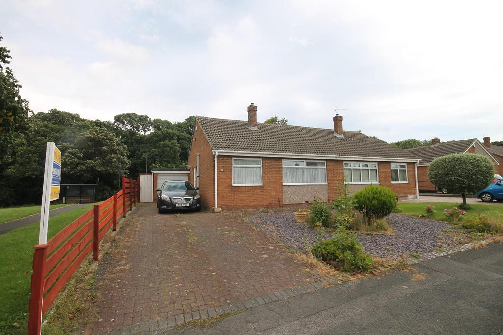 2 Bedrooms Semi Detached Bungalow for sale in Hawthorn Crescent, Marton-In-Cleveland