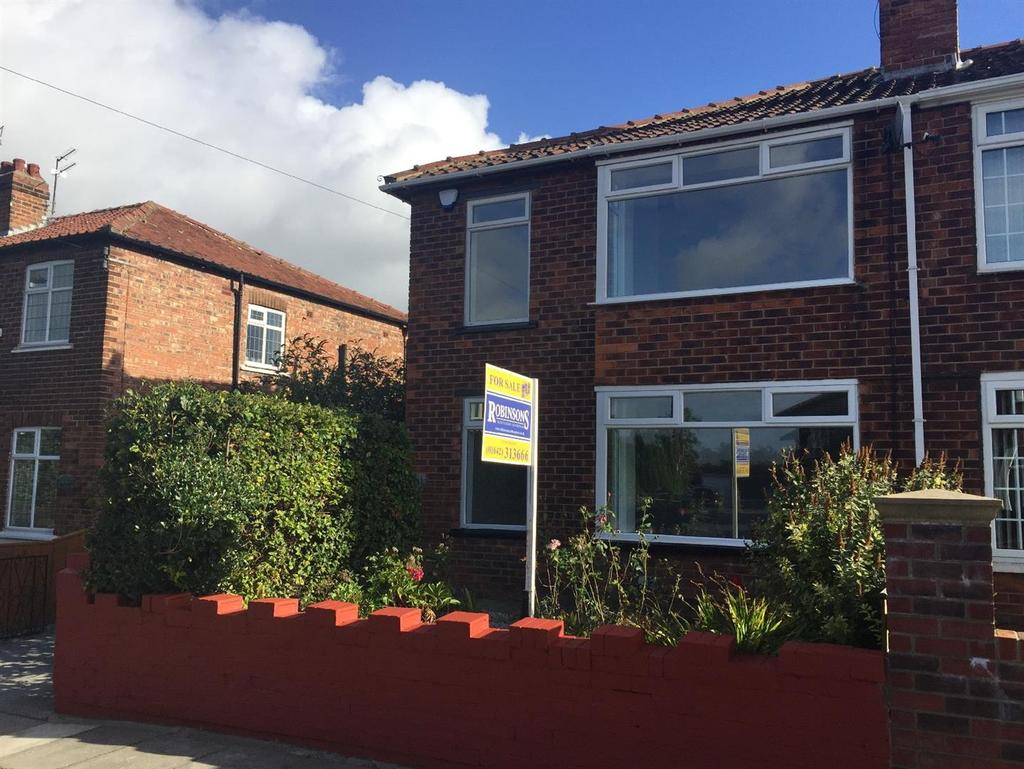 3 Bedrooms Semi Detached House for sale in Stanhope Grove, Acklam