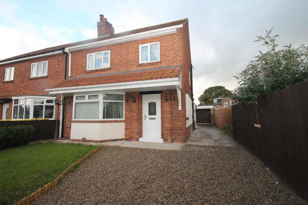 3 Bedrooms Semi Detached House for sale in Church Close, Stainton