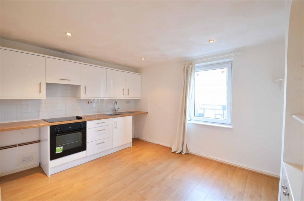 2 Bedrooms End Of Terrace House for sale in High Street, Swanscombe