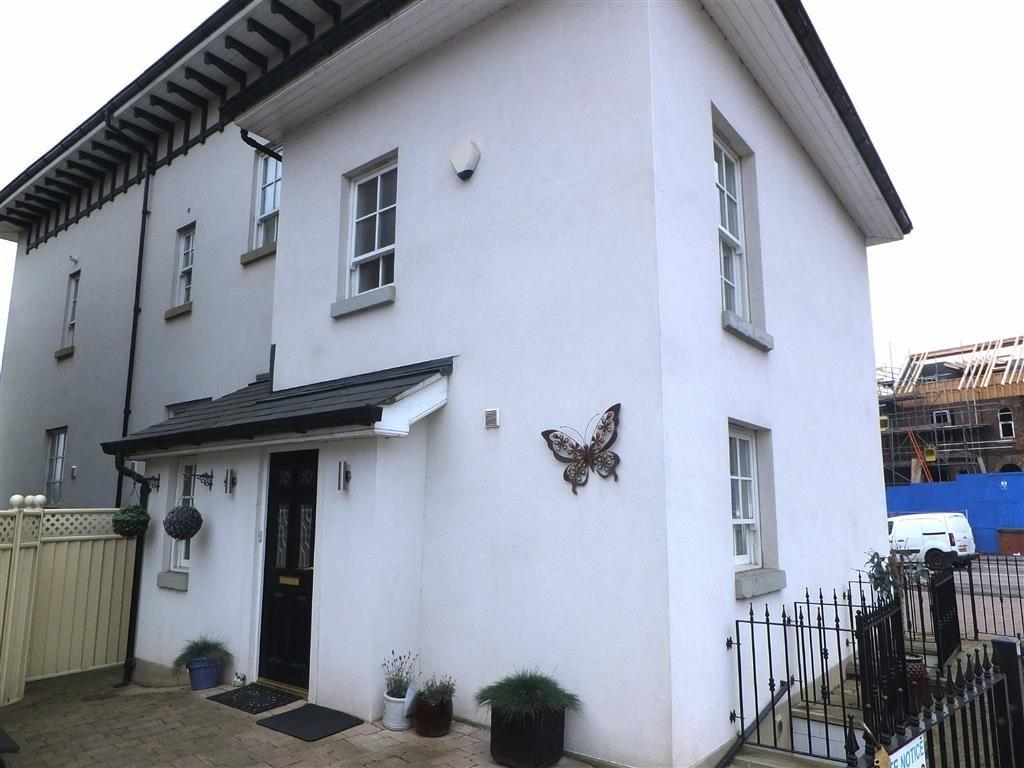 3 Bedrooms House for sale in 276 Great Cheetham Street West, New Broughton