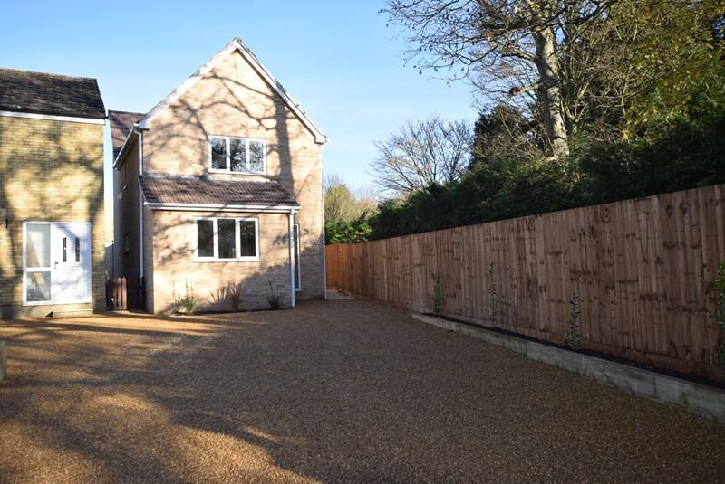 3 Bedrooms Detached House for sale in Barton Grove, Kedington, Haverhill