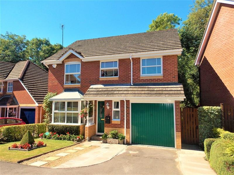 4 Bedrooms Detached House for sale in Withy Close, Tilehurst, Reading