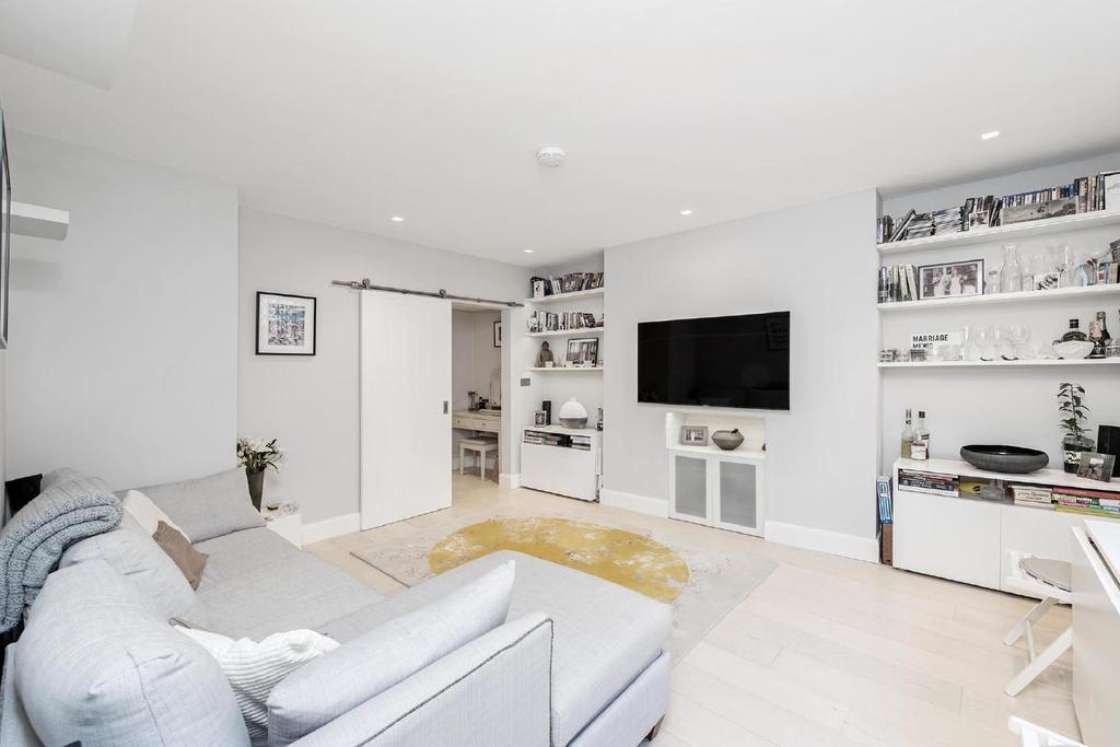 2 Bedrooms Flat for sale in Orsett Terrace, Bayswater, W2