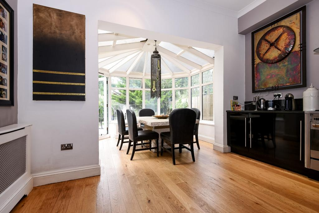 5 Bedrooms Semi Detached House for sale in Shooters Hill Road London SE3