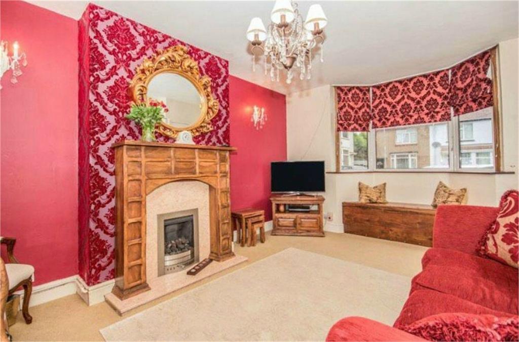 2 Bedrooms Semi Detached House for sale in Villiers Street, Nuneaton, Warwickshire