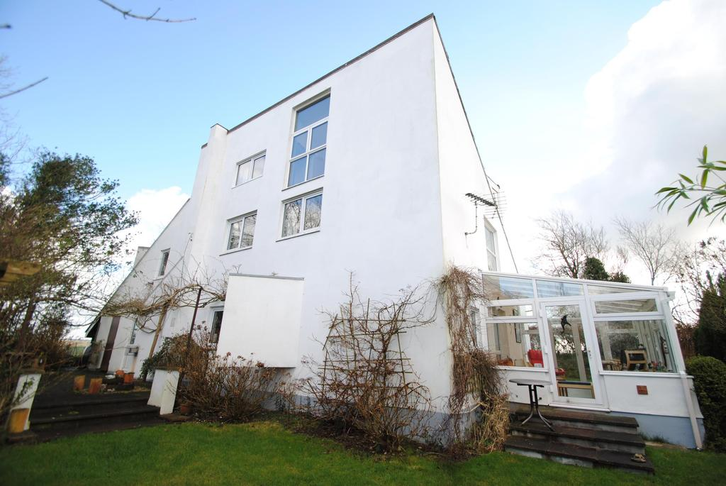 5 Bedrooms Detached House for sale in Beaford, Winkleigh