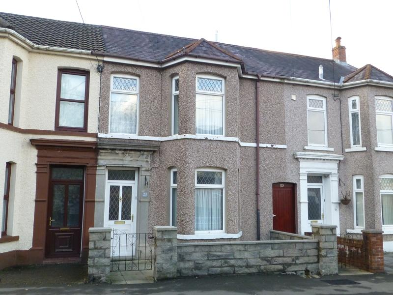4 Bedrooms Terraced House for sale in Maesquarre Road , Betws , Ammanford , Carmarthenshire.